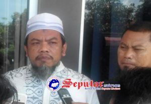 Anwar Luthfi Menilai Kepala Disdik Sumenep Cuci Tangan Soal Bingkisan Berisi Atribut Kristen