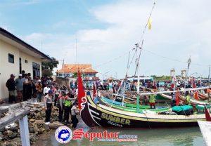 https://seputarmadura.com/wp-content/uploads/2019/02/Tangkap-Ikan-Pakai-Sarkak-Sesama-Nelayan-di-Sumenep-Konflik.jpg