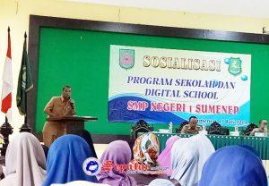 https://seputarmadura.com/wp-content/uploads/2019/07/Disdik-Beri-Pemahaman-Wali-Murid-Baru-SMP-N-1-Sumenep-Soal-Digital-School.jpg