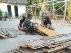 https://seputarmadura.com/wp-content/uploads/2019/09/Babinsa-Gapura-Sumenep-Selalu-Hadir-di-Tengah-tengah-Warga-Binaannya.jpg