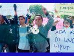 https://seputarmadura.com/wp-content/uploads/2019/09/Jurnalis-se-Pamekasan-Turun-Jalan-Kutuk-Aksi-Kekerasan.jpg