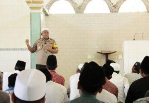 https://seputarmadura.com/wp-content/uploads/2019/09/Kapolres-Sumenep-Safari-Shalat-Jumat-di-Masjid-Al-Hasanah.jpg