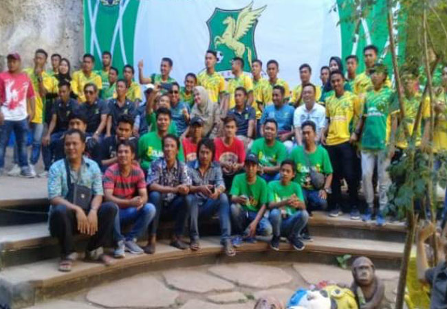 https://seputarmadura.com/wp-content/uploads/2019/10/Askab-Sumenep-Bersama-Perssu-Launching-Team-dan-Jersey-di-Goa-Soekarno.jpg
