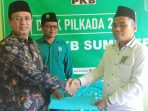 https://seputarmadura.com/wp-content/uploads/2019/10/Perdana-KH-Unais-Ali-Hisyam-ambil-Formulir-Bacabup-di-PKB-Sumenep.jpg