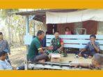 https://seputarmadura.com/wp-content/uploads/2019/11/Pantau-Perkembangan-Wilayah-Dengan-Komsos-Babinsa-Bersama-Warga-di-Pulau-Sapeken.jpg