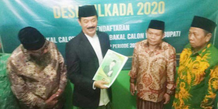 https://seputarmadura.com/wp-content/uploads/2020/01/Fattah-Jasin-Juga-Mendaftar-Bacabup-ke-DPC-PPP-Sumenep-.jpg