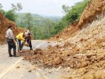 https://seputarmadura.com/wp-content/uploads/2020/01/Tebing-Longsor-Jalan-Lingkar-Utara-Sumenep-Ditutup-Sementara.jpg