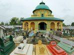 https://seputarmadura.com/wp-content/uploads/2020/05/Asta-Tinggi-Wisata-Religi-Kompleks-Pemakaman-Raja-Raja-Sumenep.jpg