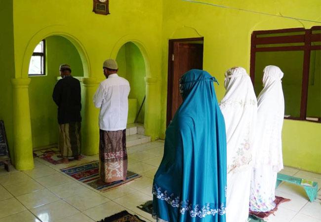 https://seputarmadura.com/wp-content/uploads/2021/04/Musholla-Nurul-Hidayah-Selesai-Dibangun-TMMD-Imam-dan-Makmum-Mengucapkan-Terima-kasih.jpg